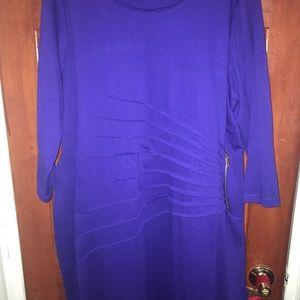 Dresses & Skirts - Doesnt fit